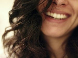 Durch Lachen Stress abbauen