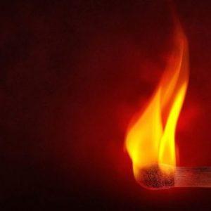 Verdacht der Brandstiftung an Transporter