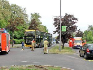 BVG-Bus rammt Twingo