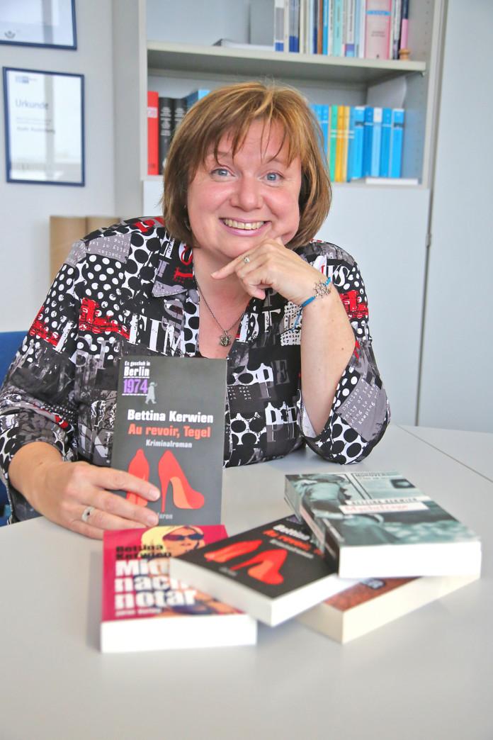 Bettina Kerwien mit ihrem neuen Buch
