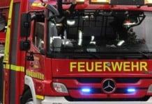 Mehrere Fahrzeuge brannten