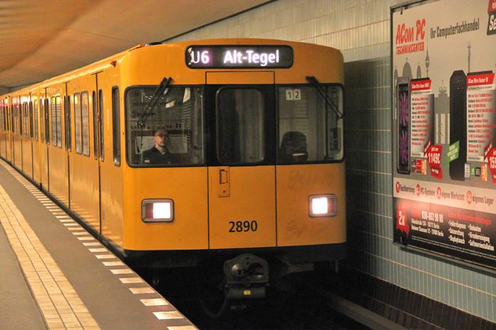 Ein Zug der Linie U6