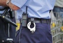Polizeibeamte in Tegeler Einkaufszentrum verletzt