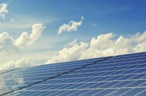 Drei Schulen bekommen Photovoltaik aufs Dach