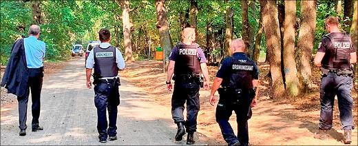 Polizisten und Ordnungsamtsmitarbeiter